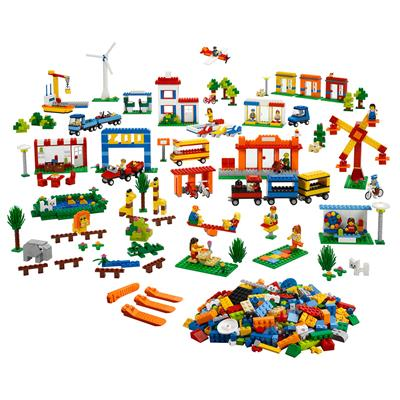 LEGO Community Starter Set, 1907 Pieces